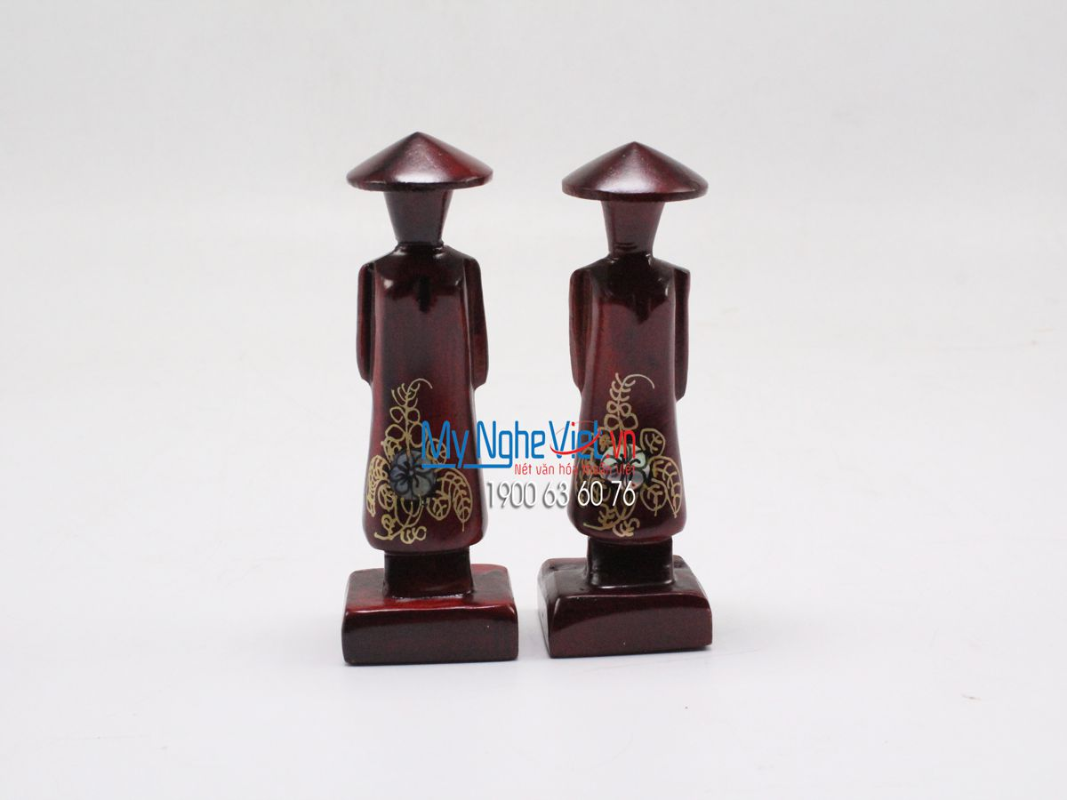 Vietnamese Girl in Ao Dai Lacquer Painting Statue MNV-T001