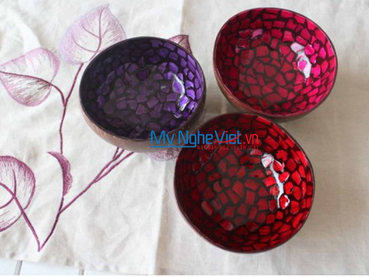 Multicolor Lacquer Painting Coconut Cup MNV-SPSM01